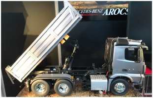 Arocs 3348 Tipper truck kit